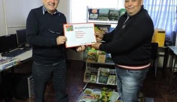 Entrega da Terceira Minibiblioteca e Quintal Orgânico de Frutas.