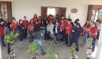 Escola Imaculada Conceição visita o Projeto