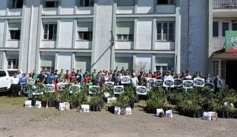 Entrega de 20 Quintais Orgânicos de Frutas na EFASC.